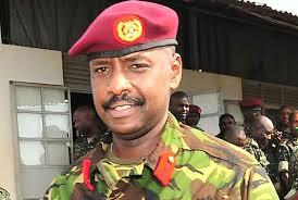 Izamurwa rya LT Gen.Keinerugaba Muhozi,rikomeje kunengwa na benshi cyane cyane abasesenguzi ba politike yo mukarere